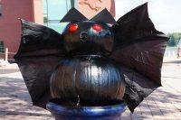 2014 Bat Pumpkin Display