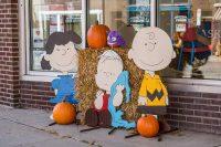 2016 Charlie Brown Topiary Display